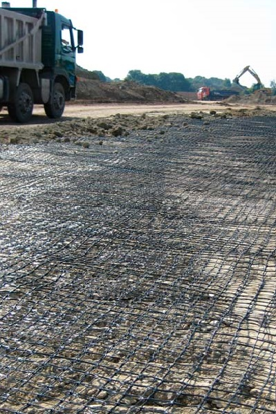 Geogriglia tridimensionale per il rinforzo di base stradale Tenax 3D Grid