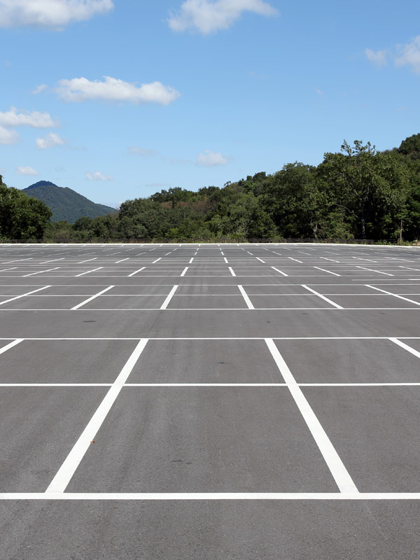 Large areas and Parkings