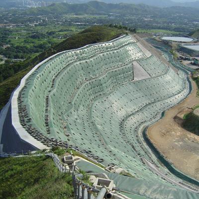 Argini discariche con terre rinforzate Sistema Tenax Rivel